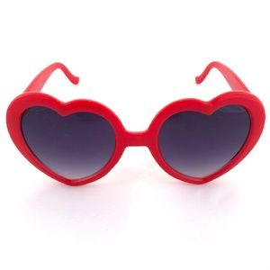 URBAN OUTFITTERS RED HEART SUNNIES